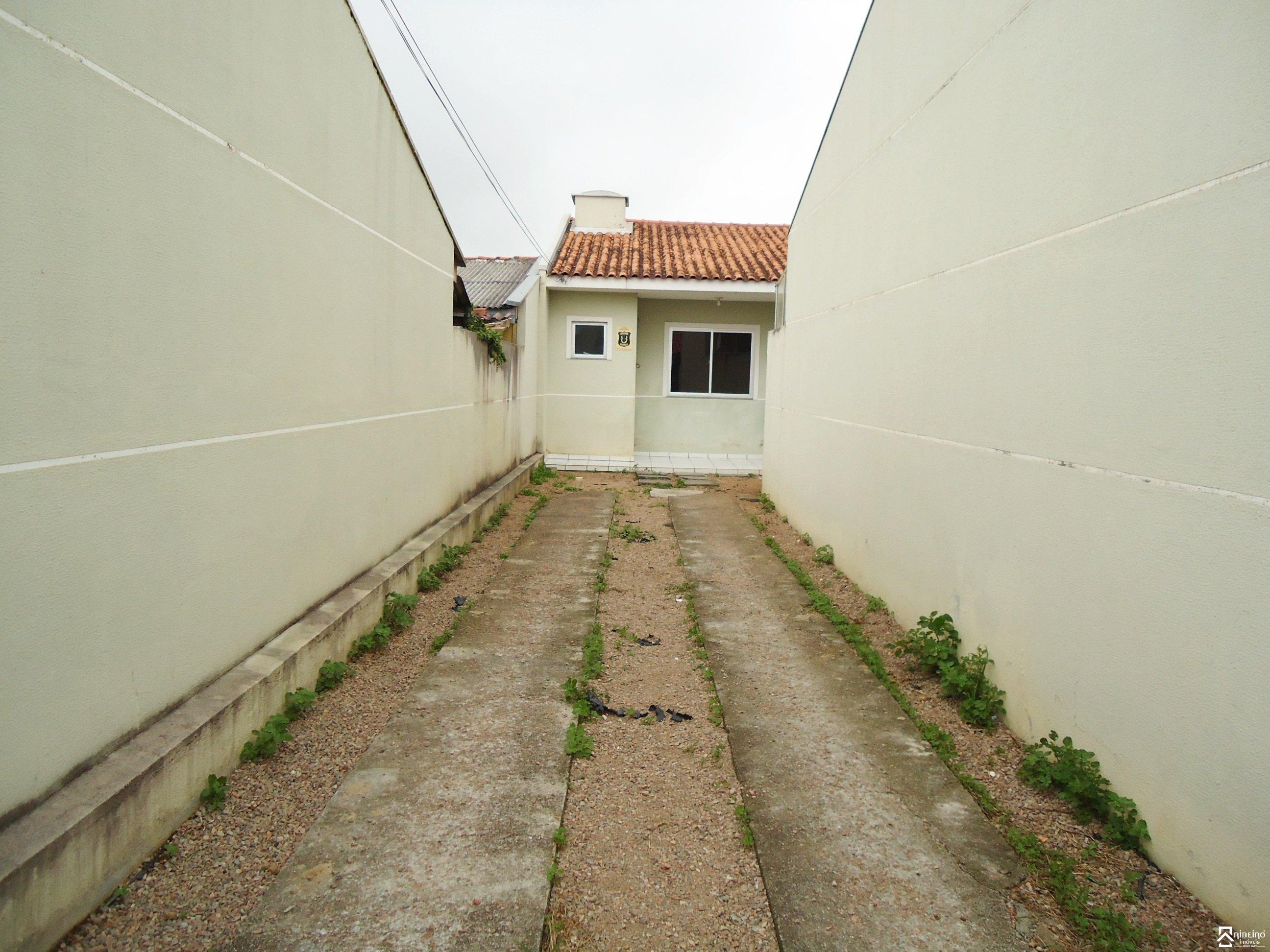 REF. 2228 -  São José Dos Pinhais - Rua  Padre Damiao De Veuster, 149 - Casa 02