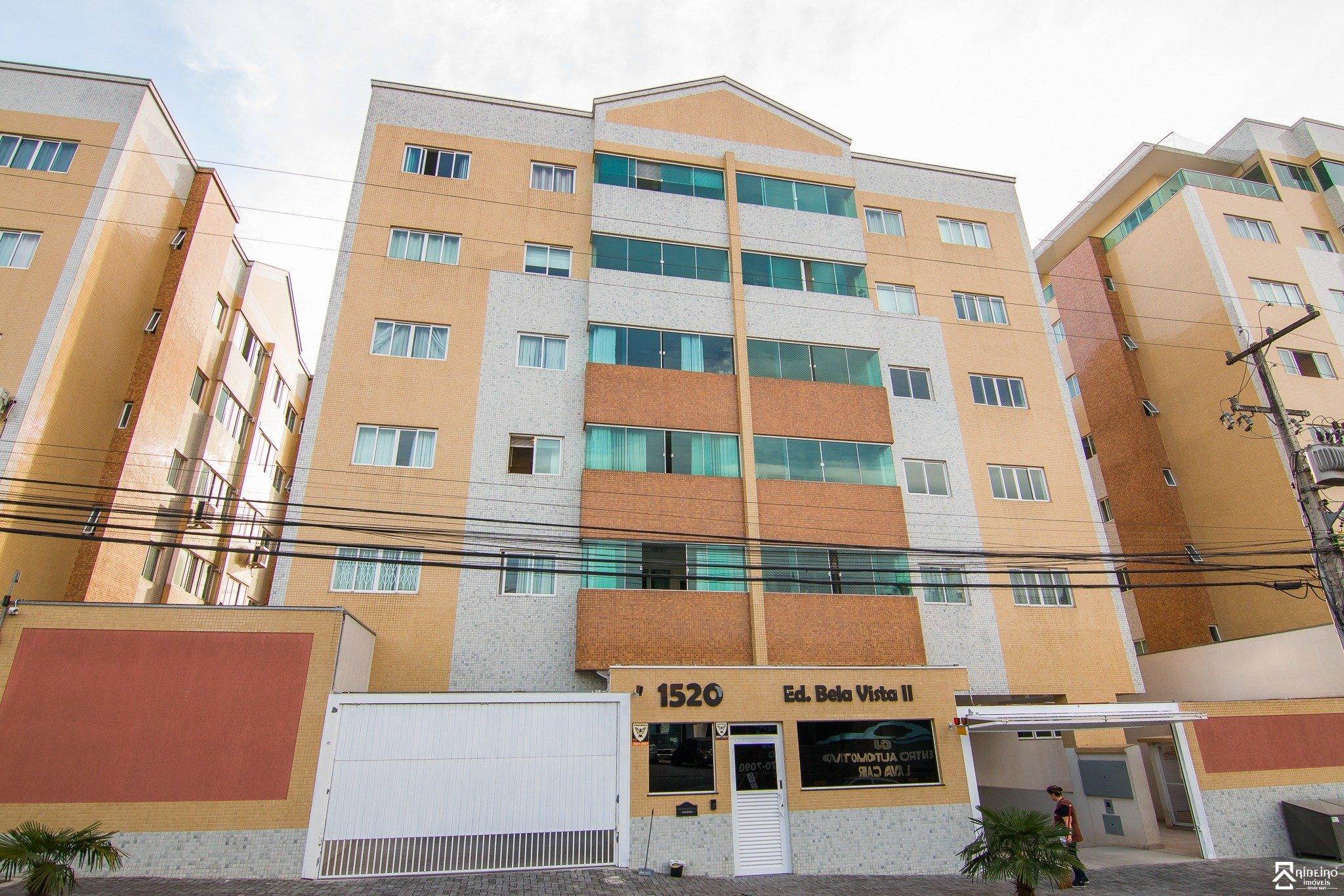REF. 4686 -  São José Dos Pinhais - Rua  Doutor Motta Junior, 1520 - Apto 201