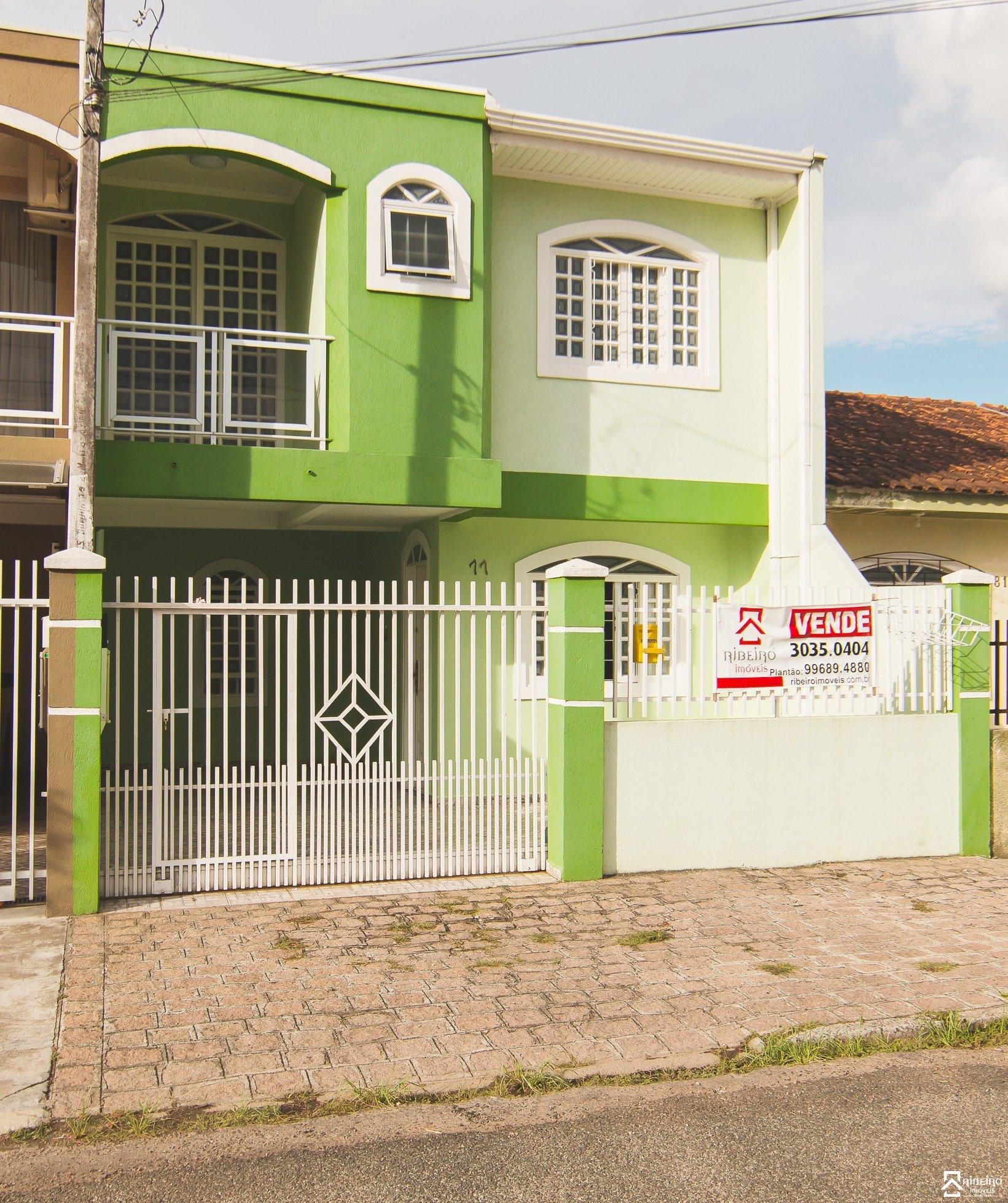 REF. 7625 -  São José Dos Pinhais - Rua  Laura Nunes Fernandes, 77 - Sobrado 05