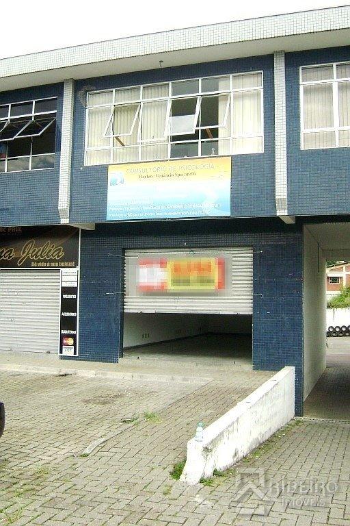 REF. 7939 -  São José Dos Pinhais - Rua  Zacarias Alves Pereira, 147- Loja 04
