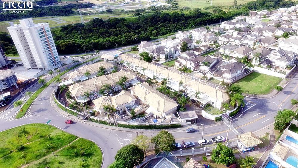 O condomínio Del Fiore contempla villagios de Casas no bairro Urbanova em São José dos Campos.