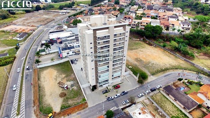 Edifício Piaget no Bairro: Urbanova. Apartamentos com 3 ou 4 dormitórios com 118.89 m², 2 e 3 suítes - 1 ou 2 vagas de garagens. Área de lazer com: Churrasqueira, Piscina adulto e infantil, Playground, Academia e Salão de festas