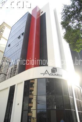 O Edifício Terraço Aquarius é um empreendimento de salas comerciais localizado no Jardim Aquarius em São José dos Campos - SP, com fachada inovadora de vidro e pastilhas. 8 salas por andar, todas com WC, Tubulação pronta para Ar Condicionado Split, 1 vaga de garagem, 2 elevadores e Restaurante.