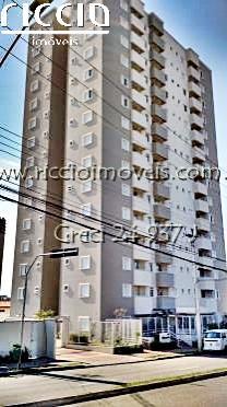 O Edifício Jacaranda fica no bairro Urbanova em São José dos Campos - SP.