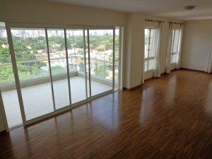 Apartamento com Varanda no Jardim Paulista