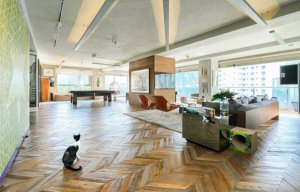Apartamento Contemporâneo com Quadra de Tênis