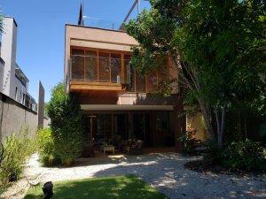 Casa em Vila Nova Conceição, São Paulo com 3 domitórios e 3 suítes