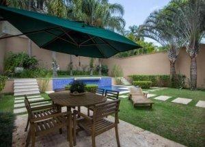 Casa com Piscina no Jardim Guedala
