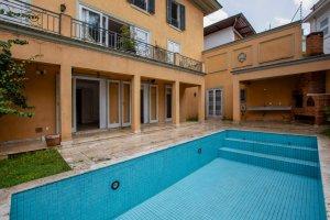 Casa com Ótima Localização no Morumbi