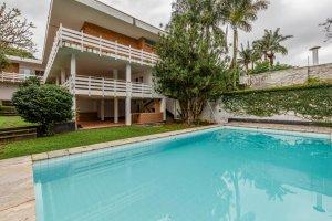 Casa com Terreno de 1.110 M² no Jardim Guedala