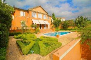 Casa com Estilo Toscano na Cidade Jardim