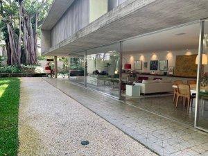 Projeto de Marcio Kogan no Jardim Paulistano