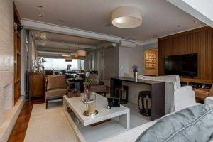 Apartamento com Sacada em Moema