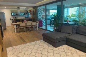 Apartamento com  Projeto de Juliana Han