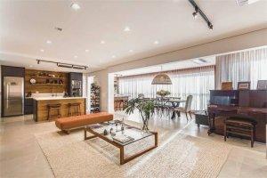 Apartamento com Varanda Gourmet em Moema