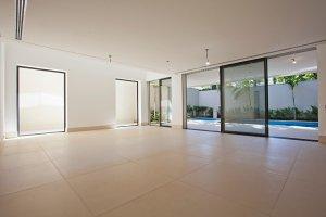 Maravilhosa Casa Nova em Condomínio Fechado!