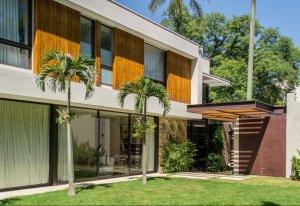 Casa em Jardim América, São Paulo com 4 domitórios e 4 suítes