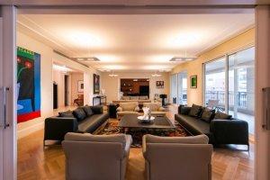 Apartamento em Edifício Novo em Jardim América