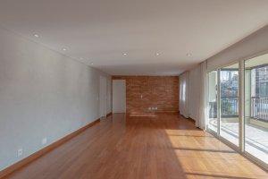 Amplo Apartamento no Alto de Pinheiros