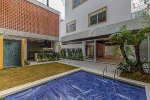 Casa Nova e Completa no Jardim Europa!