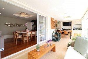 Apartamento em Condomínio Novo em Moema