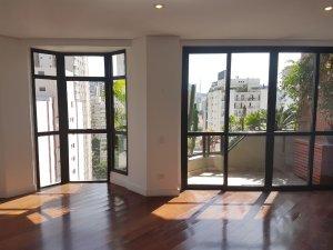 Duplex Localizado na Charmosa Rua Mateus Grou