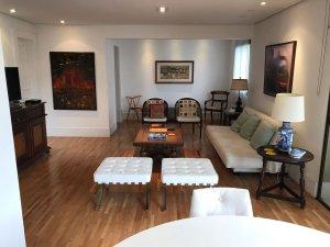 Apartamento com Reforma de Bom Gosto!