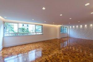 Excelente Apartamento Reformado em Andar Baixo.
