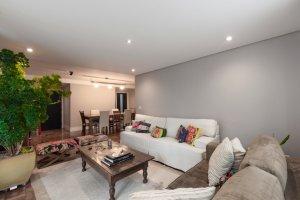 Apartamento Reformado com Varanda no Jd América