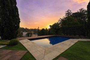 Casa no Jardim Guedala com Quadra Oficial de Tênis