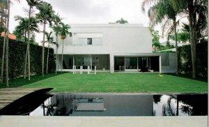 Casa Premiada  por Isay Weinfeld no Jardim Europa