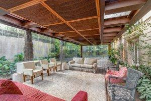 Casa Integrada à Natureza no Jardim América