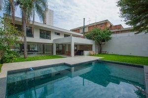 Casa Moderna no Jardim Guedala