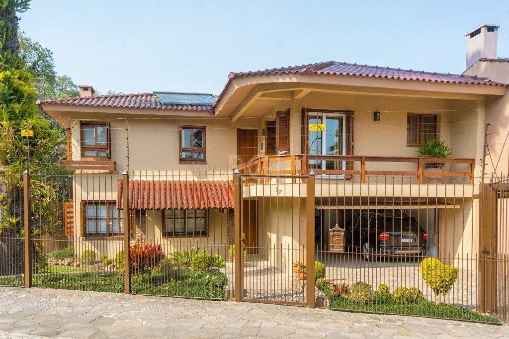 Casa  3 Dormitórios  3 Suítes  4 Vagas de Garagem Bairro Jardim Isabel em Porto Alegre RS