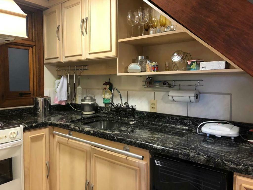 Apartamento com 2 Dormitórios à venda, 102 m² por R$ 750.000,00