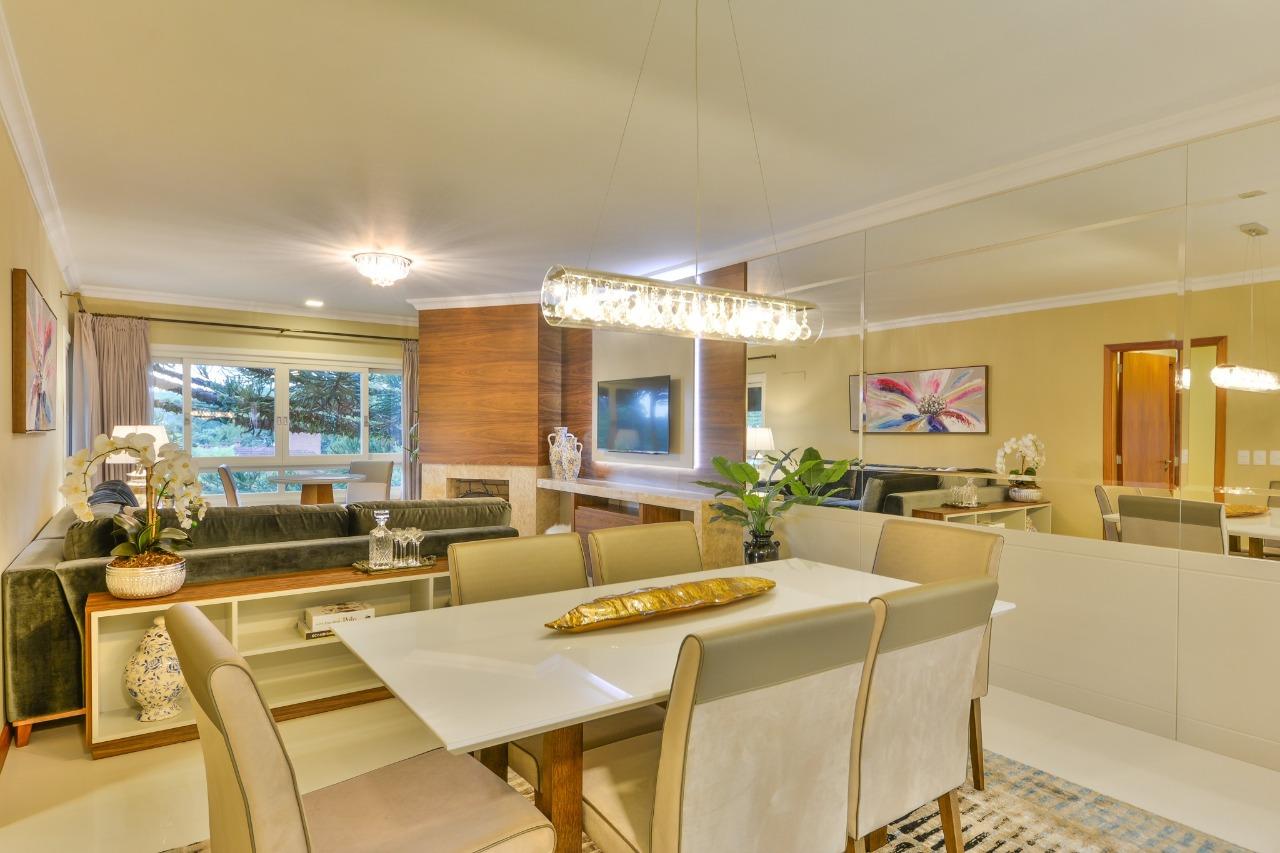 Apartamento com 3 Dormitórios à venda, 213 m² por R$ 1.695.000,00