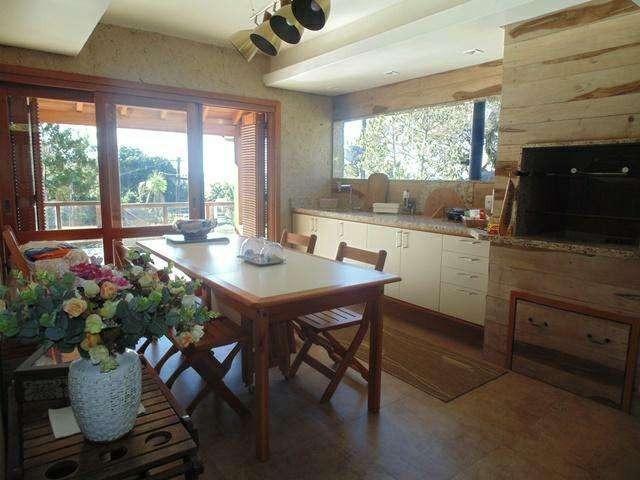 Casa com 3 Dormitórios à venda, 738 m² por R$ 1.685.000,00