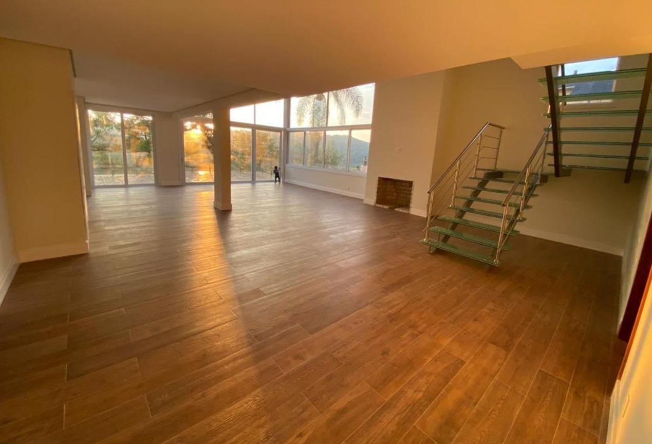 Casa em condomínio com 3 Dormitórios à venda, 610 m² por R$ 2.280.000,00