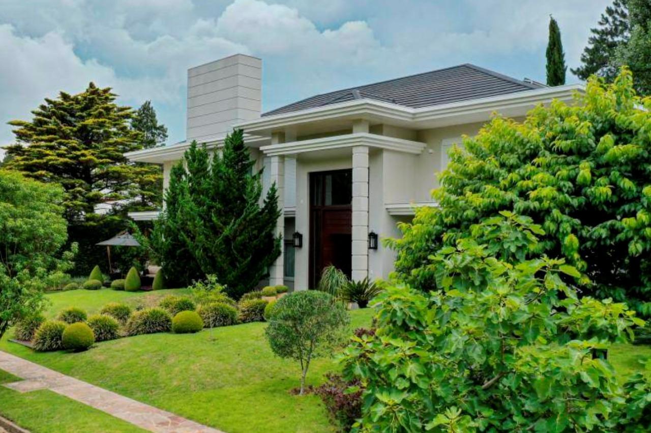 Casa em condomínio à venda  no Laje de Pedra - Canela, RS. Imóveis