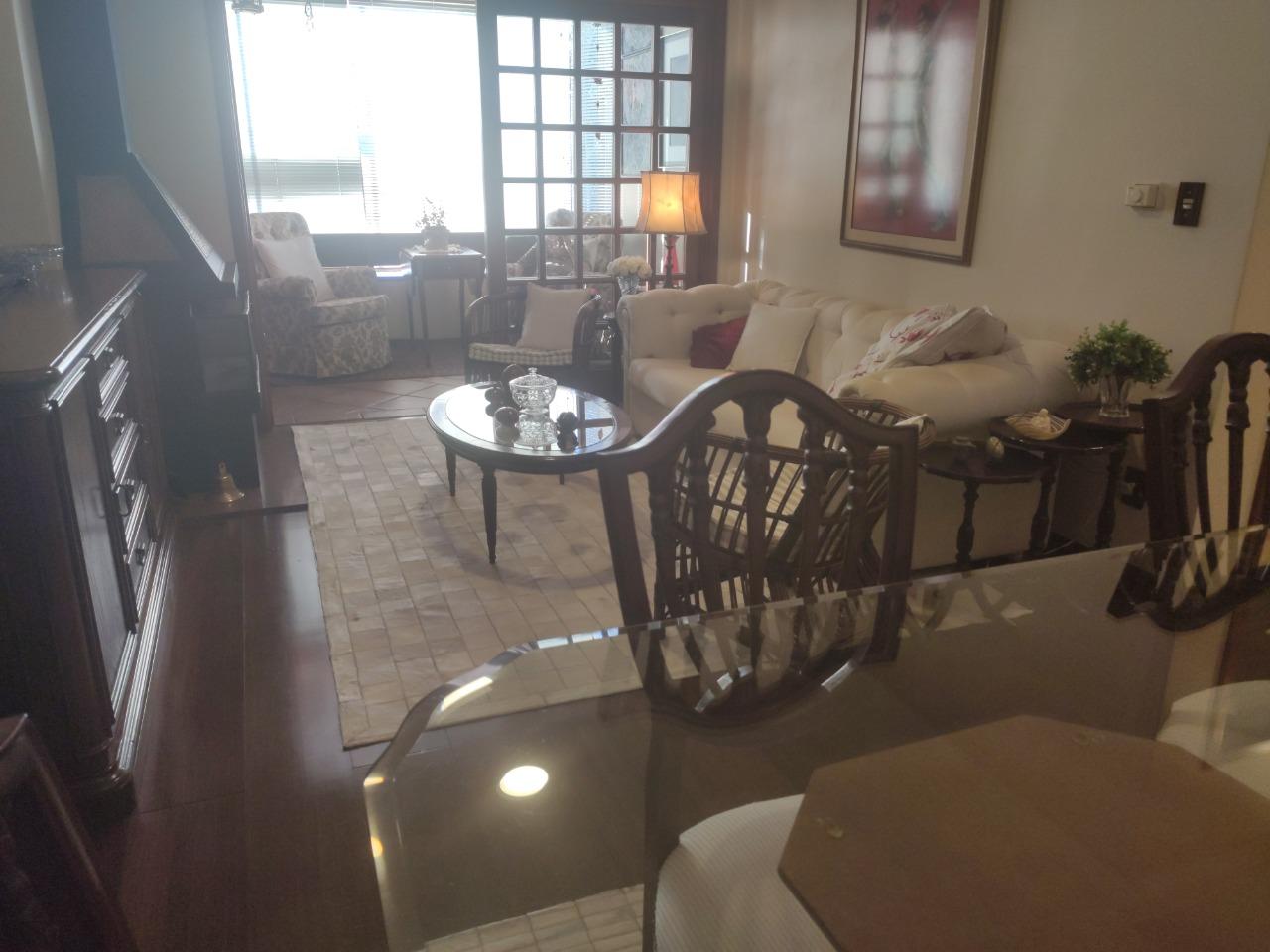 Apartamento com 2 Dormitórios à venda, 133 m² por R$ 744.000,00