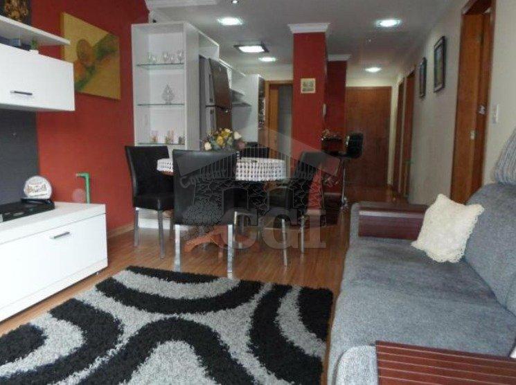 Apartamento com 2 Dormitórios à venda, 75 m² por R$ 745.000,00