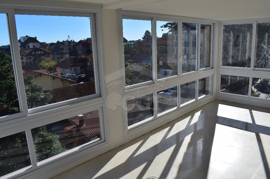 Apartamento com 3 Dormitórios à venda, 174 m² por R$ 1.340.000,00