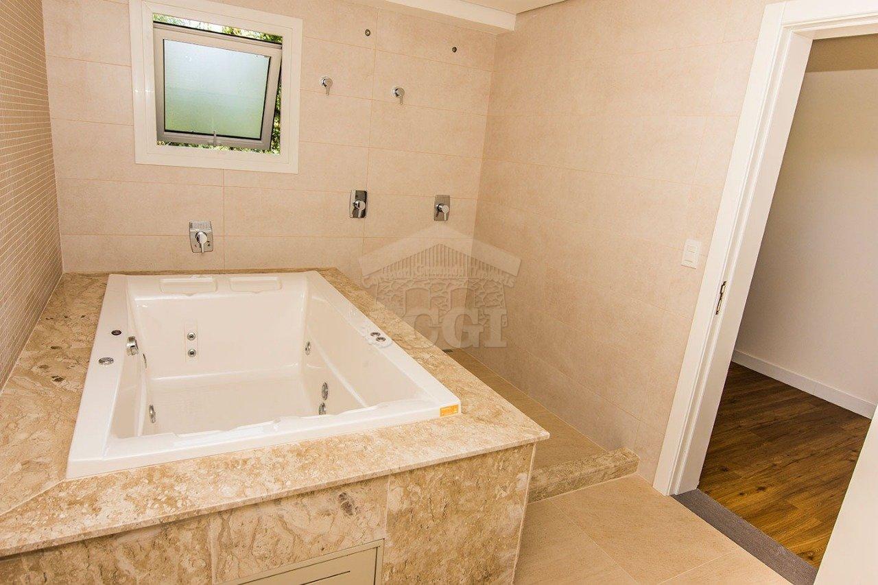 Casa em condomínio com 4 Dormitórios à venda, 1.366 m² por R$ 2.960.000,00