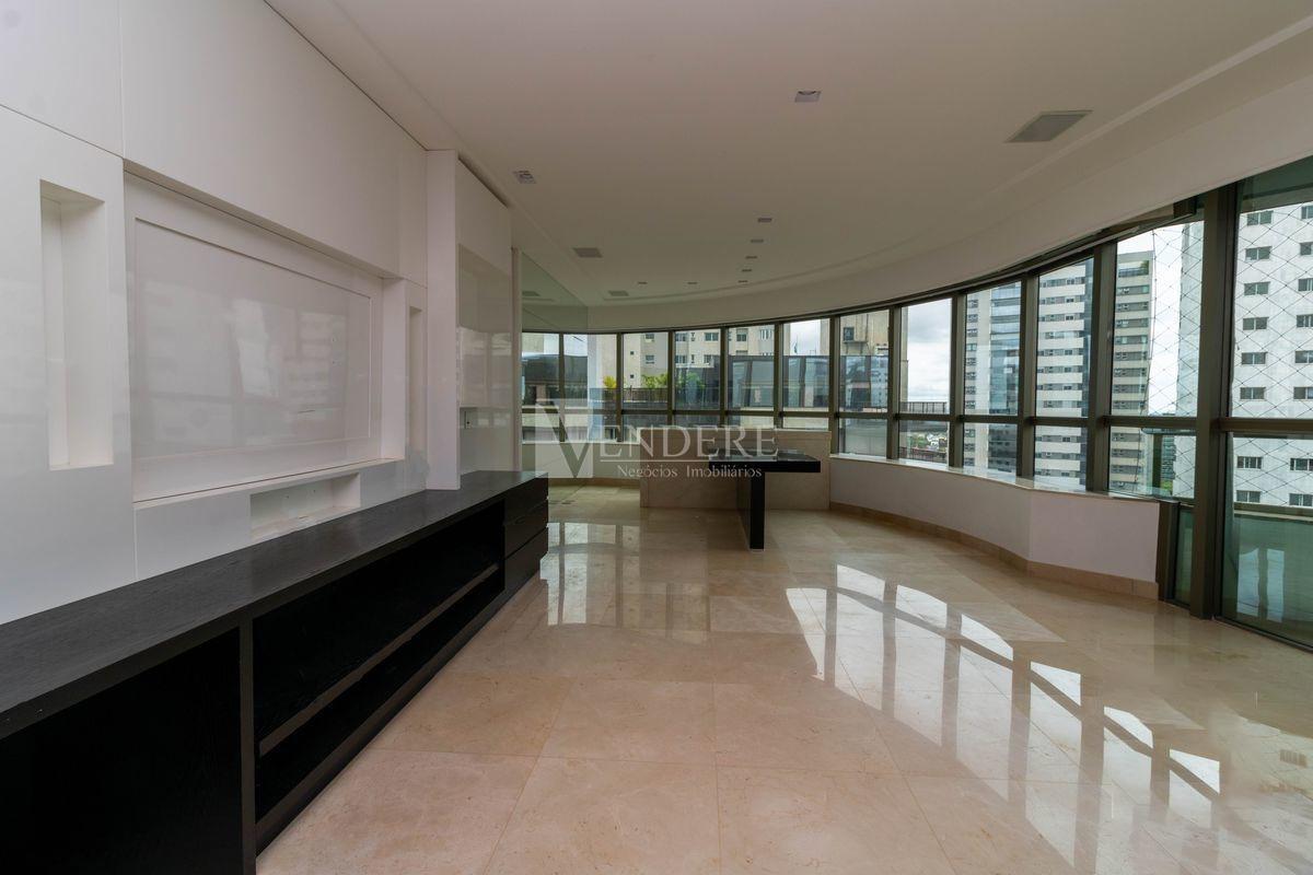 Apartamento de 240,00m²,  para alugar