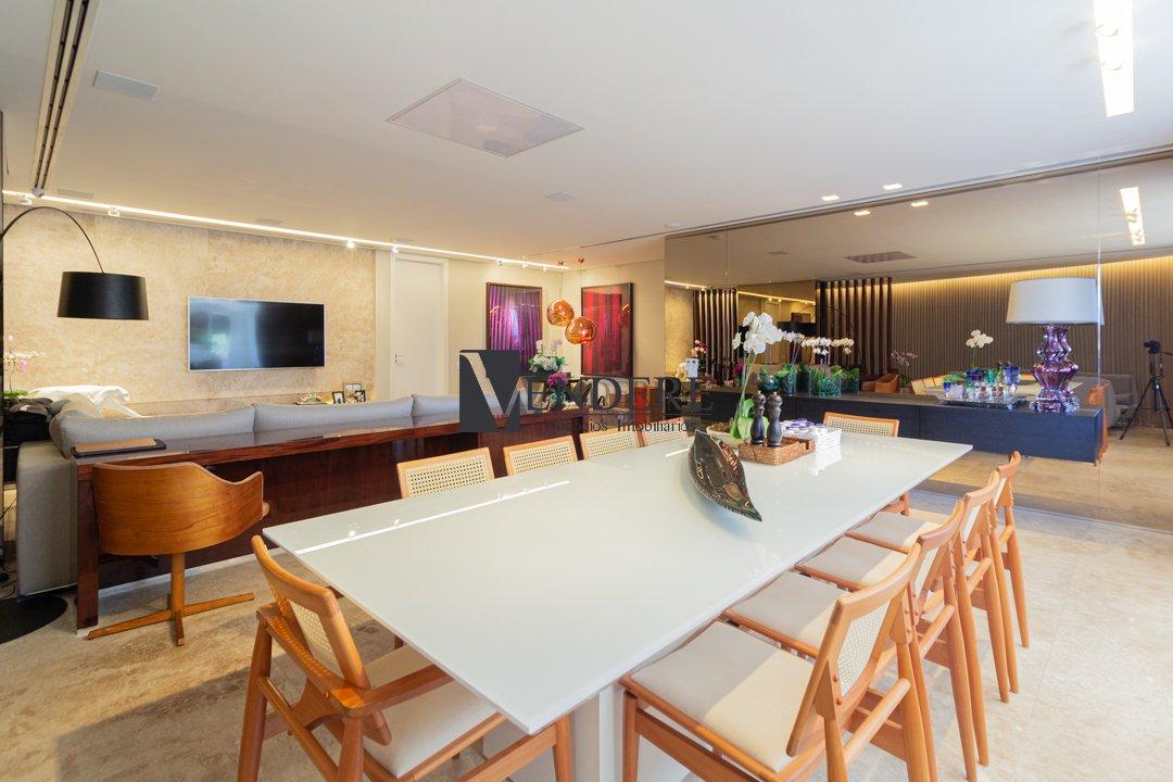 Apartamento de 244,95m²,  à venda